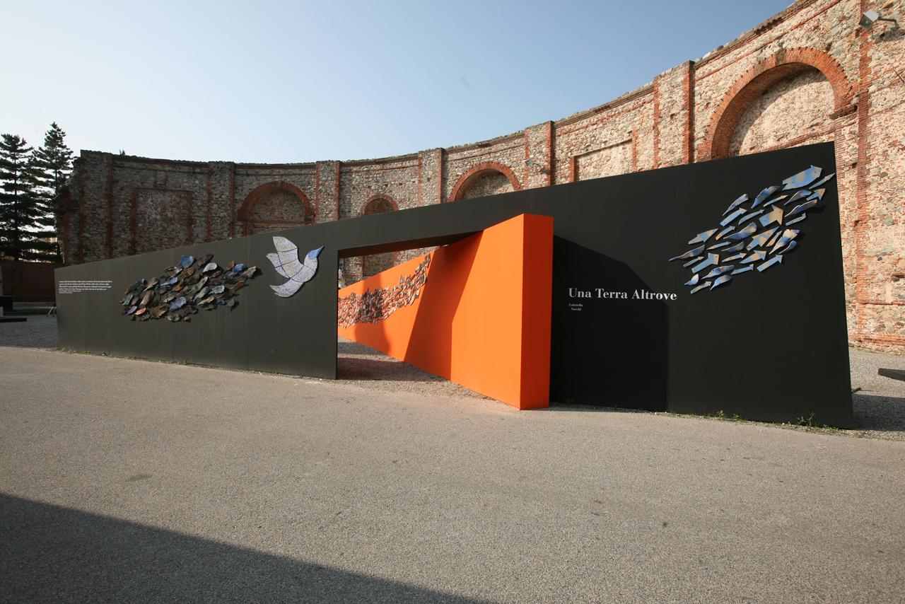Una-terra-altrove,-Mostra-della-ceramica,-Rotonda-Antonelliana,-Castellamonte-(TO)-2008